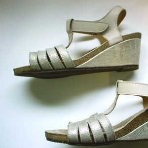 PHILIP DAVIDSON Wedge Sandal Metallic SILVER GOLD